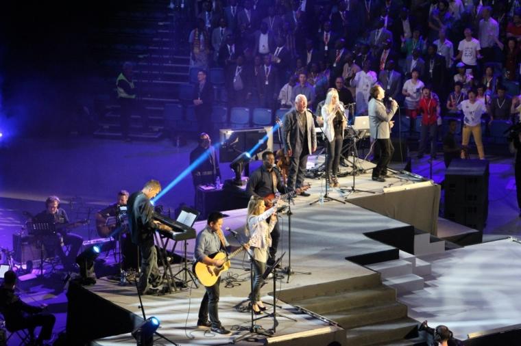 Singers, Empowered21
