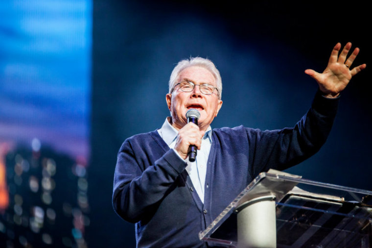Franklin Graham, James Dobson, Samuel Rodriguez, and Other Christian Leaders React to Death of International Evangelist Luis Palau