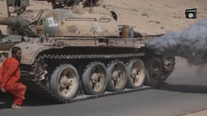 ISIS Uses Battle Tank in Savage Execution of Syrian Hostage - The