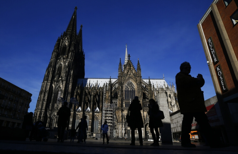 Germany Allows Churches to Reopen, But Bans Handshakes and Singing