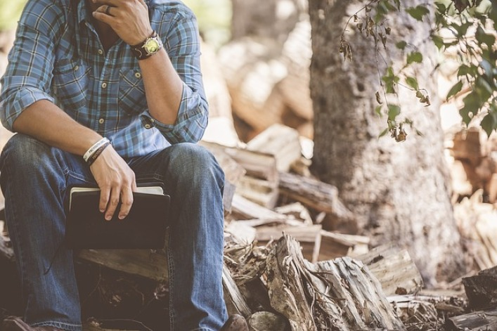 How To Be A Man: 3 Habits Real Men Have, According to Jesus