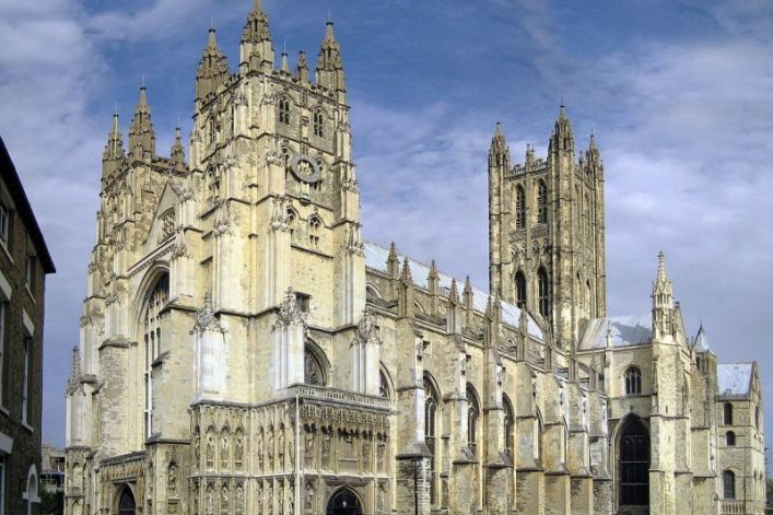 Will Church of England Turn to Pentecostal Preachers to Boost Membership?