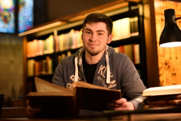 Divinity student becomes first to decipher Baptist theologian's 200-y-o sermons