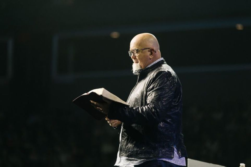 Megachurch founder James MacDonald allegedly sought murder for hire, police investigating