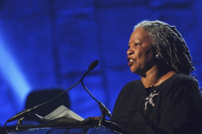 Toni Morrison, Nobel Prize-winning African-American author, dies