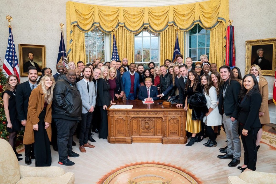 Brian Houston, Christian worship leaders pray for Trump, visit Oval Office