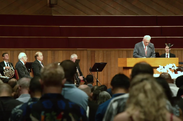 John MacArthur's church has multiple COVID cases, staff pressured to keep silent: report
