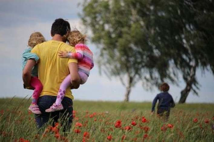 More fathers satisfied with time spent with their kids in pandemic: Pew