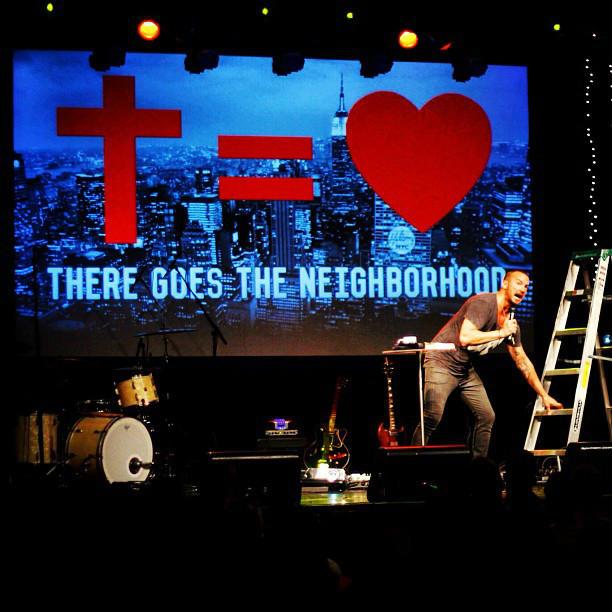 Justin Bieber Breaks Down During Pastor Carl Lentz S Hillsong Nyc Sermon The Christian Post