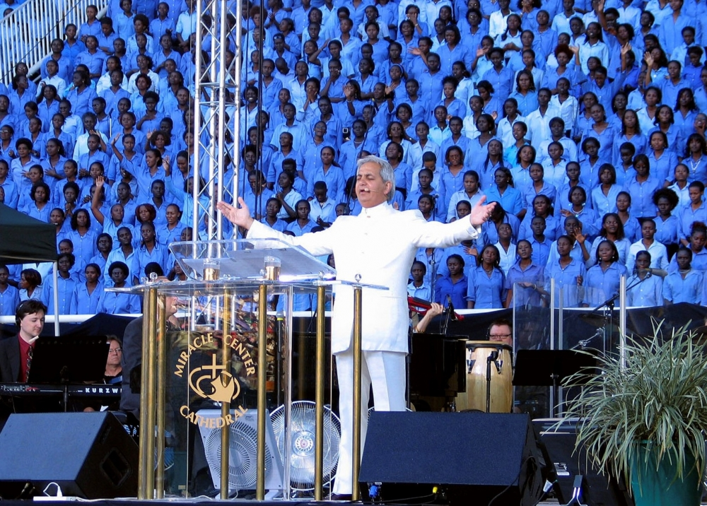 Benny Hinn Claims 'Greatest Wealth Transfer in Human History