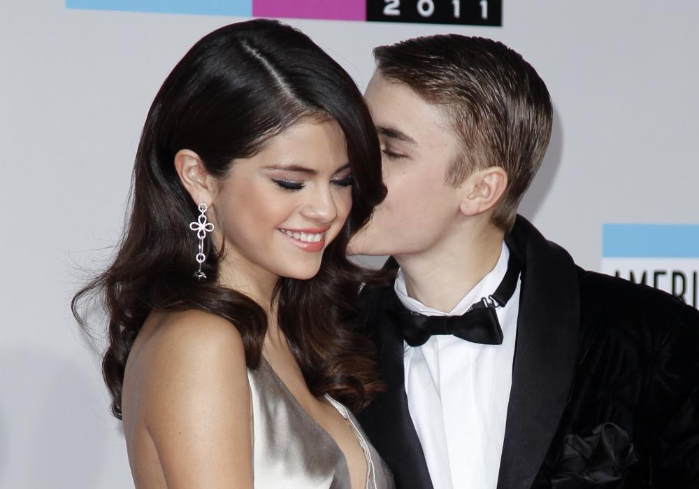 Porn selena pics gomez CelebrityBabes Selena