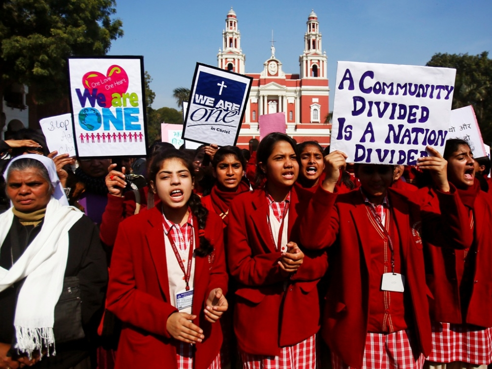 15 Indian Christians Arrested During Prayer While Surrounded
