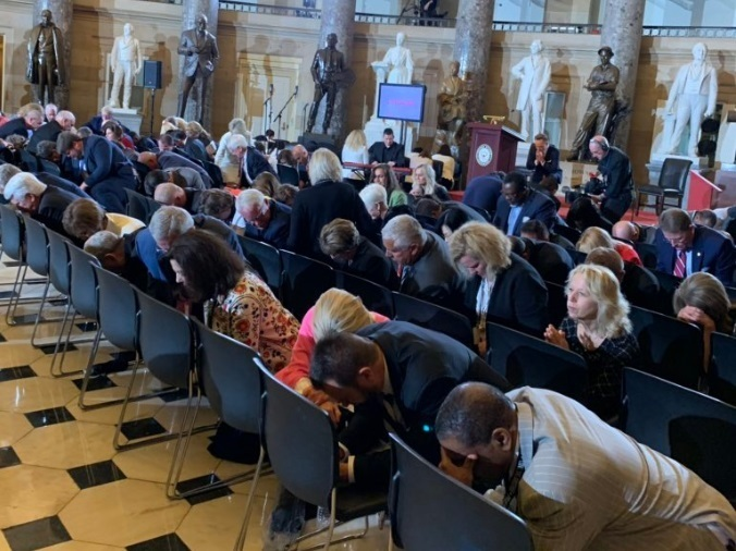 'Golden Rule 2020': Churches pray for civility in presidential election