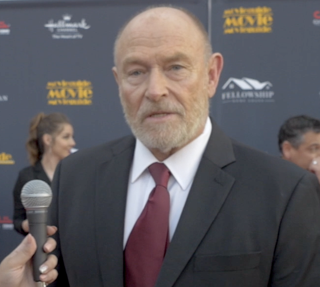 Corbin Bernsen says clashes between believers and nonbelievers is 'venomous'