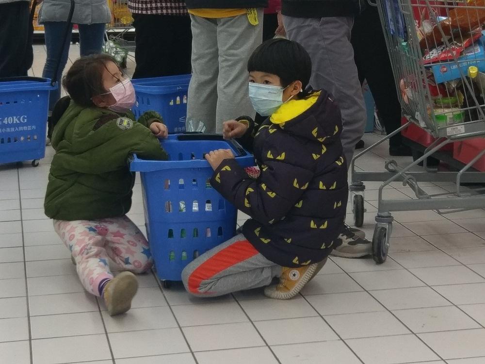 As death toll climbs, China blames US for coronavirus, 'causing panic'