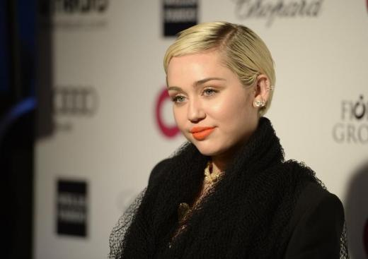 Miley Cyrus to explore relationship with God again after leaving church due to anti-LGBT stance