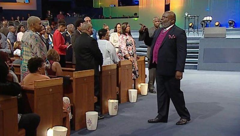 MSNBC host asks Bishop TD Jakes to pray on live TV