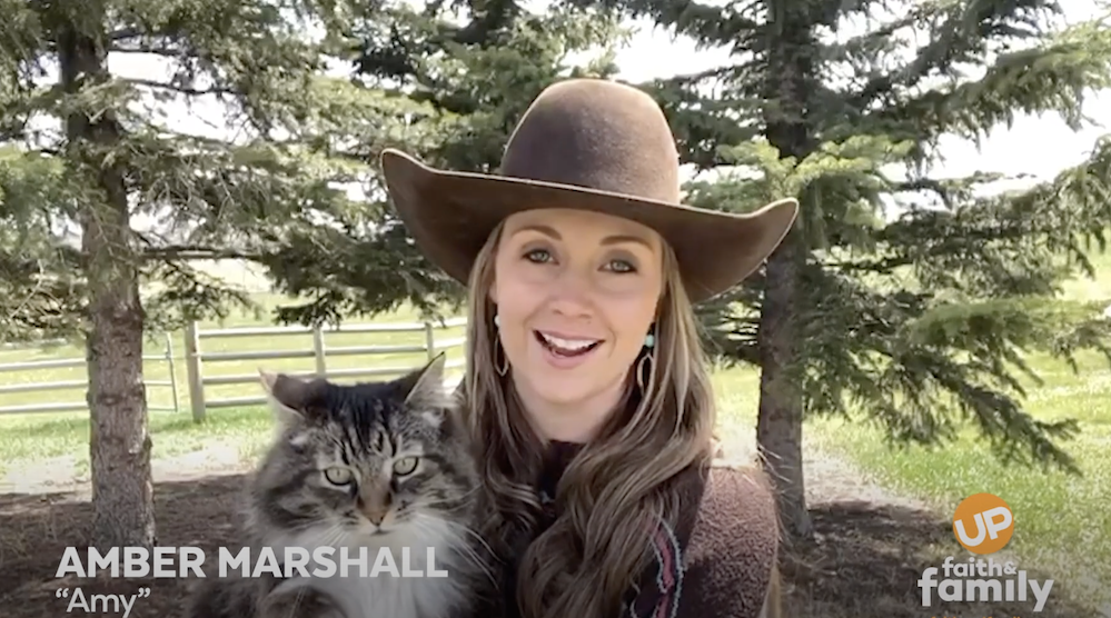 'Heartland' star Amber Marshall gives sneak peek at series quarantine special, filming on her farm