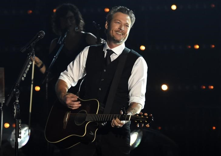 Blake Shelton wins single of the year at ACM Awards with 'God's Country': 'Thank You, God'