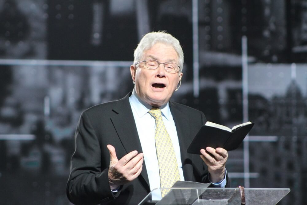 Evangelist Luis Palau now in hospice care as the 'end seems near,' son says