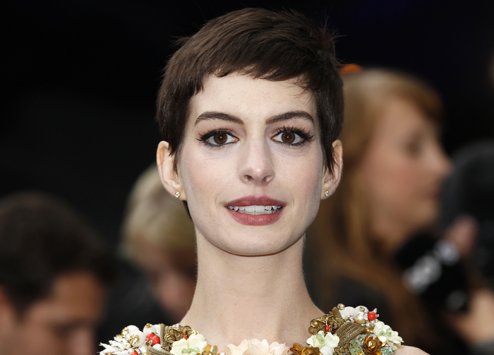 Anne Hathaway Photos Devastating At Les Miserables Premiere Incident The Christian Post